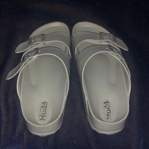 Sandals size 7/8